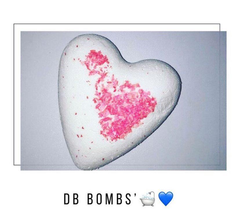 Coeur de bain paillettes musque es avec morceaux de coco